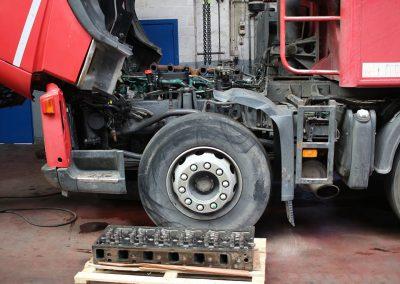 Herstellen vrachtwagen - garagist