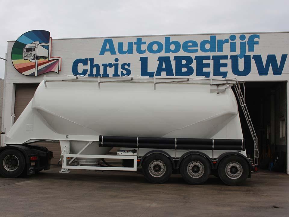 Herspuiten tankwagen - Autobedrijf Labeeuw